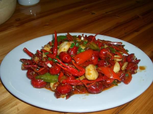 大.武汉人﹐最喜欢的一道菜就是﹕虾球.-湖北菜