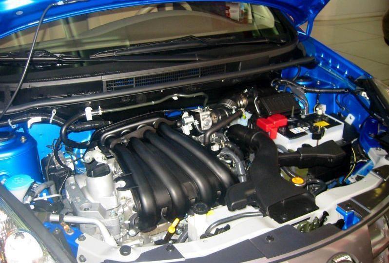 -- 作者:MrCondum -- 发布时间:2008-10-17 11:40:00 -- HR16DE 和HR16 是两个发动机 HR16DE采用DOHC双顶置凸轮轴结构集合CVTC(连续可变气门正时控制)技术。HR16 没有! HR16就是郦威的 就是HR16DE的阉割版 关键看骐达HR16DE发动机气缸头有一个可变气门电磁阀,如有就是HR16DE发动机!此外大家看看在发动机机油盖下面有没有两个圆形的突起就是知道是不是带DE的 !这就是这款发动机的精髓所在!! 就是可变正时气门的电控可变角度的普利轮!
